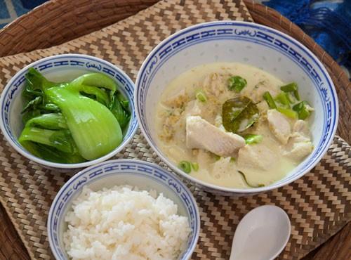 Simple coconut-milk fish curry